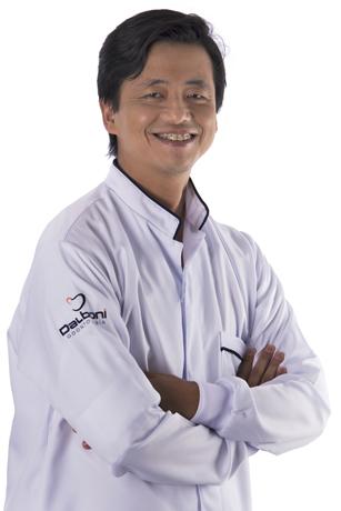 Dr. Oswaldo Doi